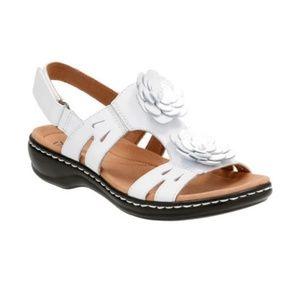 6d869ccda1b Clarks Shoes - NIB! CLARKS Artisan Leisa Claytin white sandals